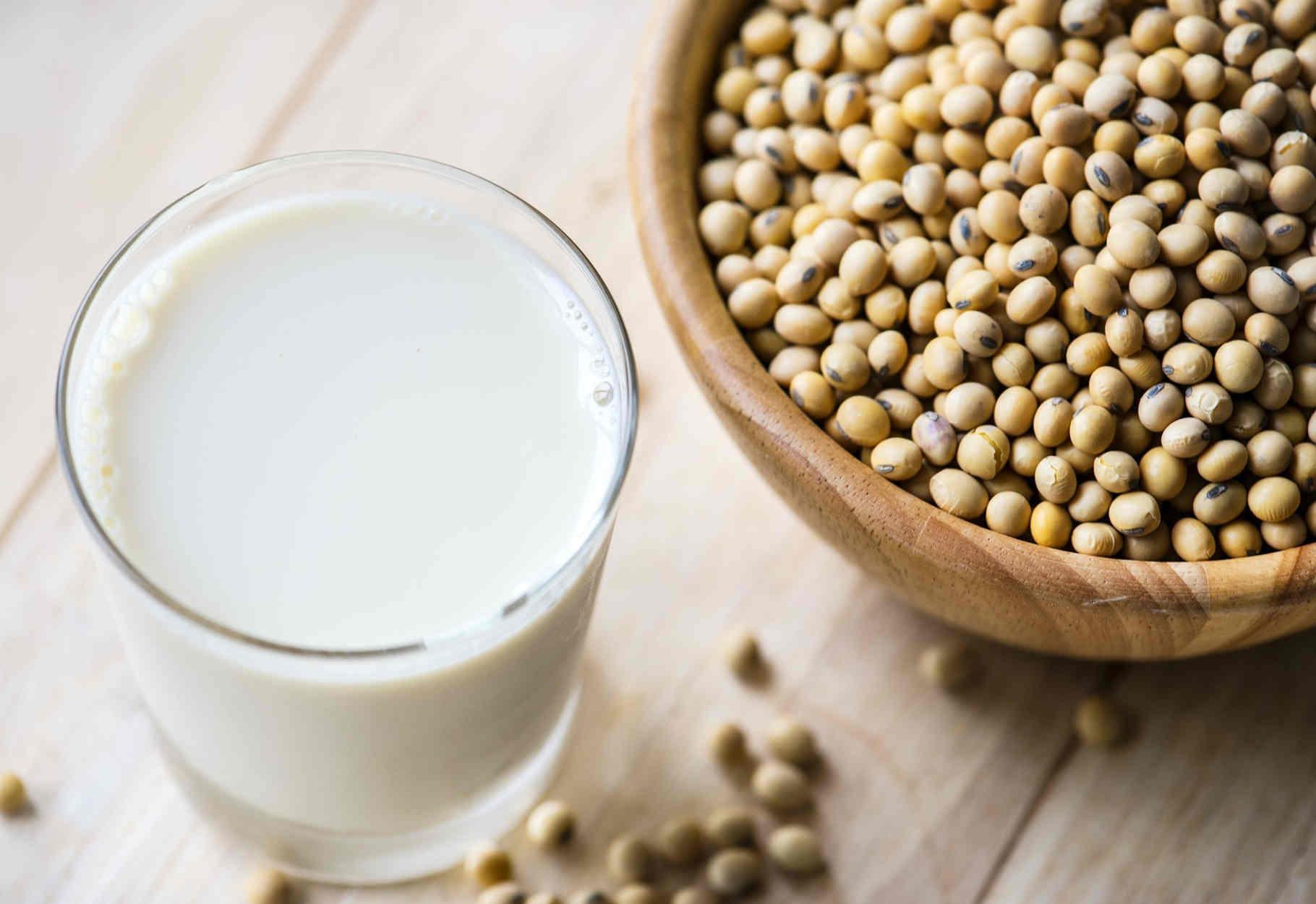 latte di soia fa male o bene
