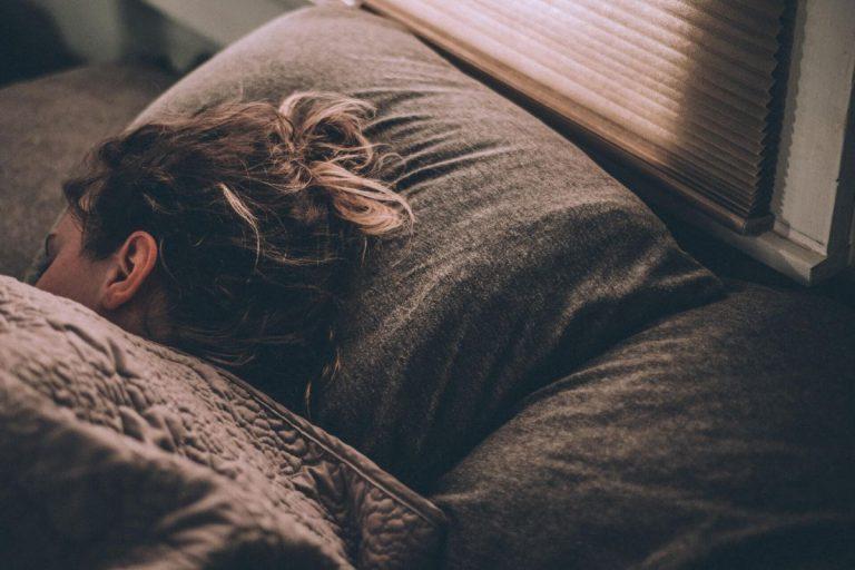 Le migliori caramelle per dormire bene e gli integratori con melatonina